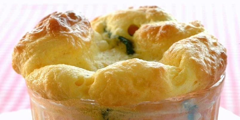 Sufflé med chèvre og spinat - Suffle med chevre og spinat er utmerket tilbehør, men kan også spises som en hovedrett.