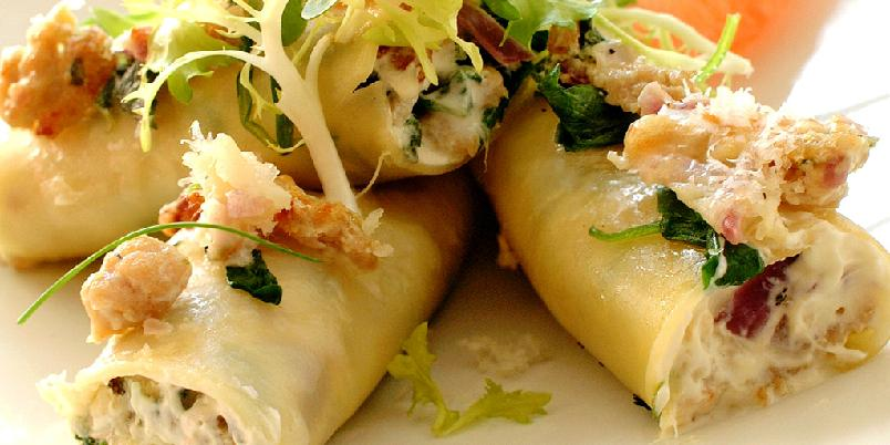 Cannelloni med kyllingkjøttdeig - Server gjerne cannelloni med en grønn salat og fileter av rosa grapefrukt.