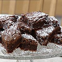 Brownies med sitrussalat -