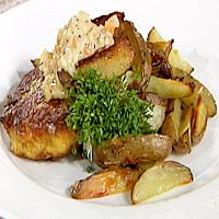 Torskekaker, råstekte poteter og grønnsaksremulade -