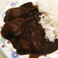 Mole poblano - En tradisjonsrik gryterett fra Mexico med blant annet kalkun, chili og sjokolade.