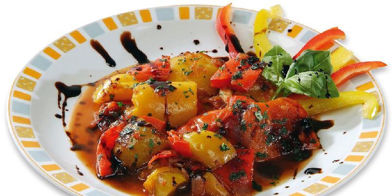 Paprika med balsamico - Balsamicoen danner en nydelig kombinasjon med de stekte paprikaene. Serveres som antipasti - italiensk tapas.