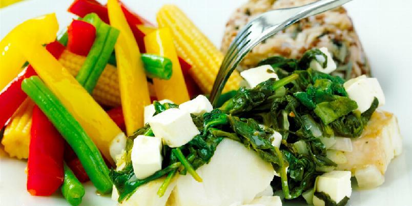 Torskefilet med feta og spinat - En spennende kombinasjon hvor spinat og fetaost utfyller hverandre og gir en smakfull opplevelse sammen med torsken.
