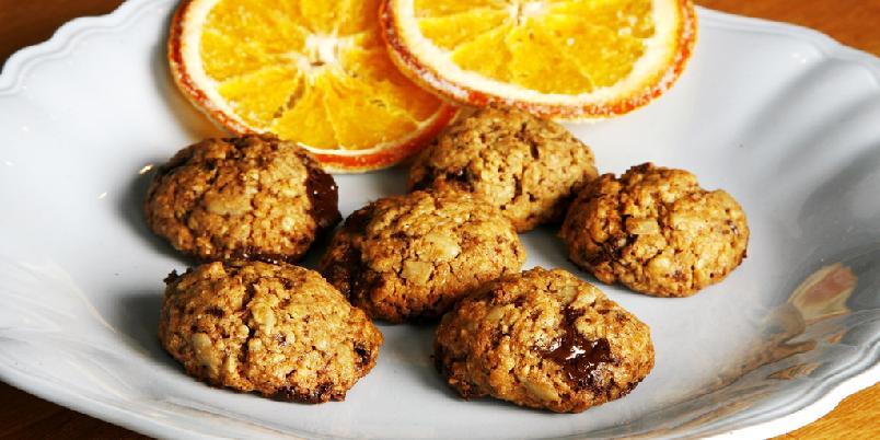 Fågelkaker - Svenske småkaker med solsikkekjerner, sjokolade og fiberrikt mel.