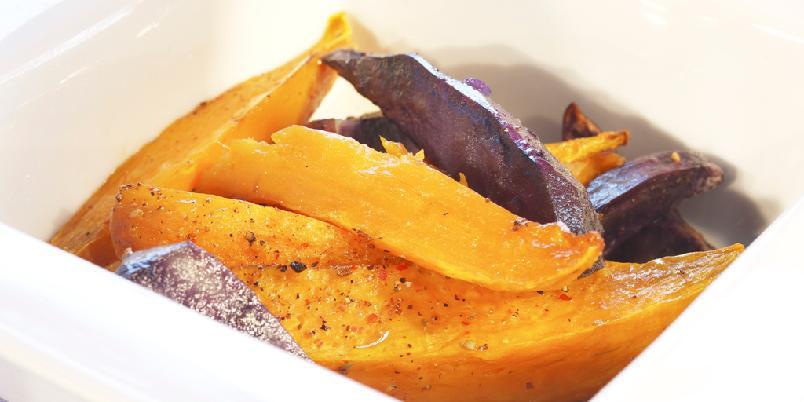 Bakte søtpotetbåter - Disse søtpotetene kan serveres til forskjellig mat og er godt egnet på et tapasbord.