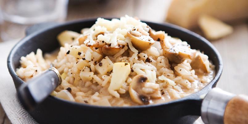 Sopprisotto med selleri og epler - Lag en deilig, kremete risotto og server den med ovnsbakte rødbeter til.