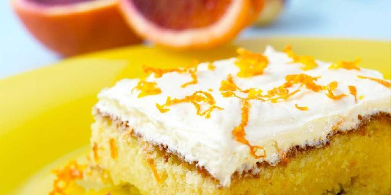 Deilige og saftig appelsinkake med sjokolade - Appelsinen er en selvsagt følgesvenn på skituren, men litt variasjon en gang er fint. Så hvorfor ikke overraske familie eller venner med denne kaken på turen?