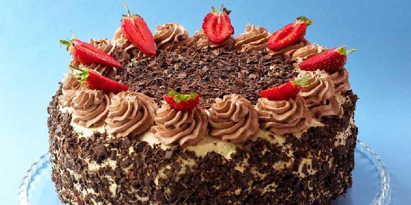 Mokkakake - Denne kaken er et syn for øyet og en herlig smaksopplevelse med romkrem og mokkakrem.