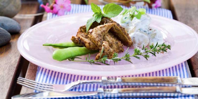 Balsamicostekt kylling med potetsalat - Balsamicostekt kylling med potetsalat laget på matyoghurt er et smakfullt alternativ i den lyse årstiden.