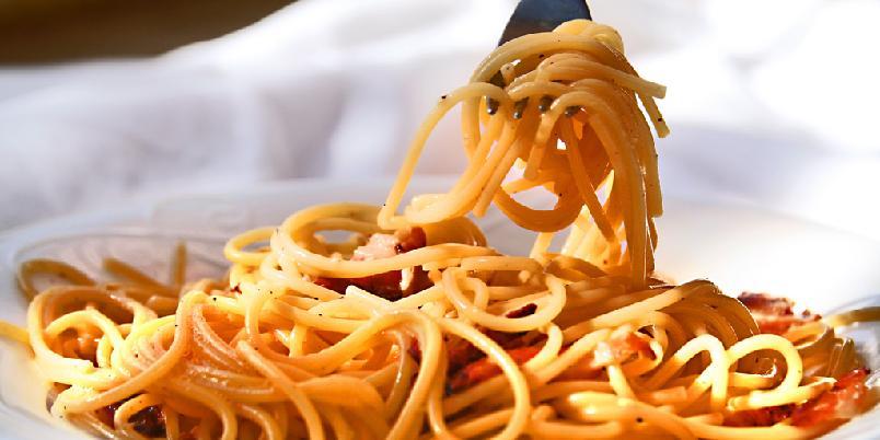 Spaghetti Carbonara - Dette er antakelig den enkleste oppskriften på Spaghetti Carbonara noensinne. Mine damer og herrer - her er pasta carbonara!