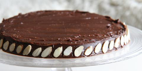 Sjokoladekake med mandler (Julia Childs favorittkake) - Dette er en Julia Childs berømte sjokoladekake. Den skal være litt myk i midten og er et lite eventyr.