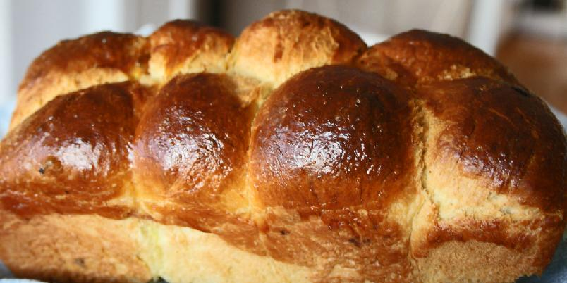 Brioche (loff) - Denne supre oppskriften på brioche - en fantastisk loff som lages med smør og egg.