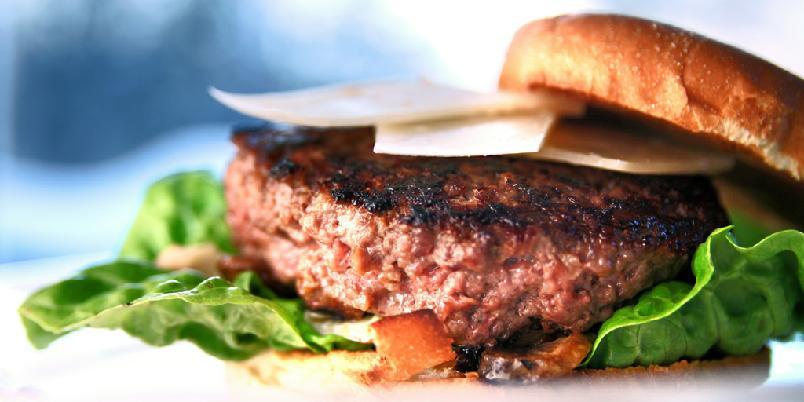 Hamburger med viltkjøtt og sopp - Dette er en fabelaktig burger som blir superlukseriøs om du bruker både Madeira og gåselever.