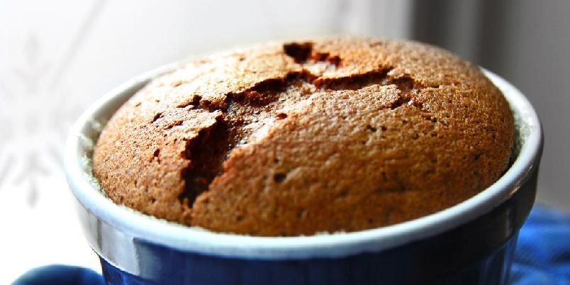 Sjokoladesouflé - Dette er en oppskrift som er enkel og funker superbra - men du: servér den med en gang!