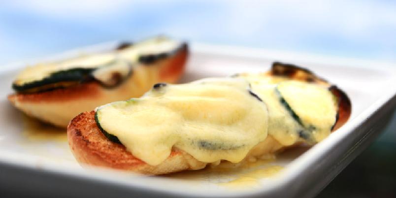 Snacks med squash og smelta ost - Det er jaggu ikke mye som skal til for å redde kvelden.