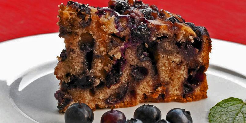 Blåbærkake - Her er en skikkelig god blåbærkake med brunt sukker.