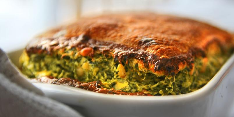 Pai med spinat - En enkel pai med spinat og andre godsaker. Lett som en plett.