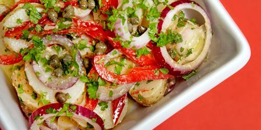 Fargerik potetsalat - Denne kan serveres som tilbehør til nesten hva som helst.