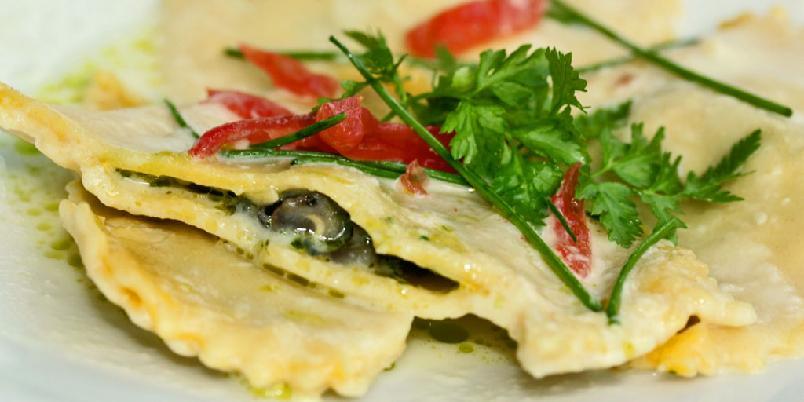 Snegler i pasta - Ravioles d`escargots au jus d`ail heter denne på fransk. Og ja: Kan du tenke deg noe mer fransk?