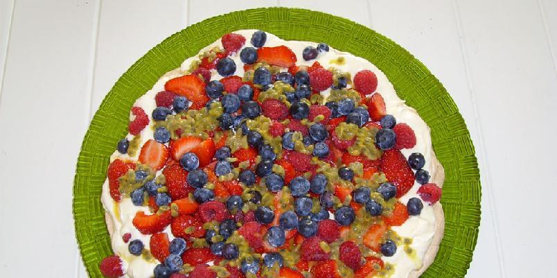 Pavlova med bær - En flott pavlova som gjør alle glade!