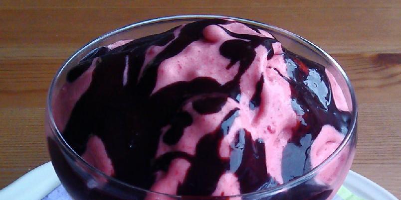 Jordbæris - Dette er en morsom is av jordbær eller andre bær.