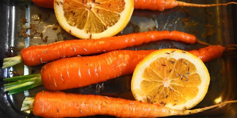 Bakte gulrøtter - Lei av kokte gulrøtter? Her får de følge av spennende krydder...