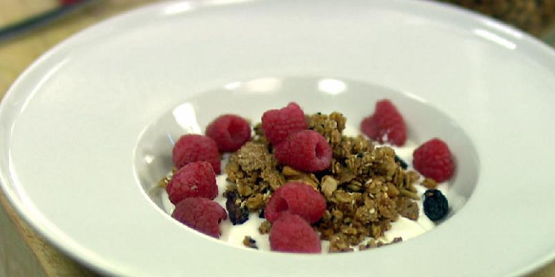 Muesli - Denne blandingen holder til mange frokoster. Lag den på forhånd!