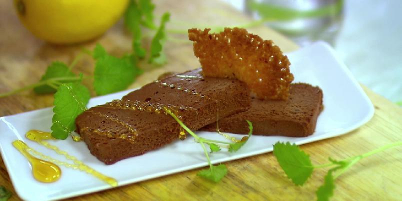 Sjokoladeterrine (sjokoladeparfait) - En genial dessert fordi den er lett og lage, alle elsker den og den oppbevares i fryseren!