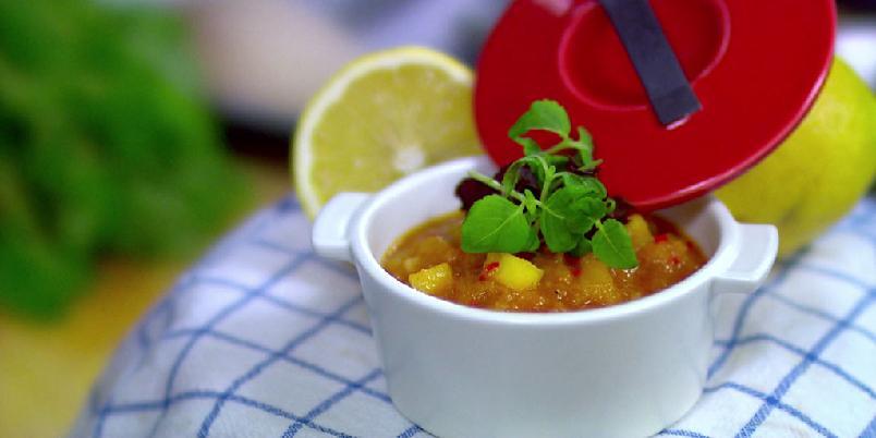 Sursøt saus - Det er faktisk ikke verre å lage en sursøt saus. Dette er en asiatisk variant.