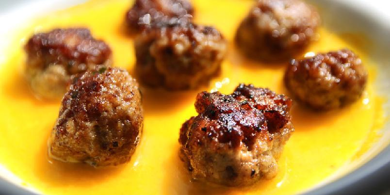 Albondigas spanske kjøttboller - De er kule, gode og enkle å lage. Albondigas er kjøttbollene som gir deg tapasstemning og feriefølelse.
