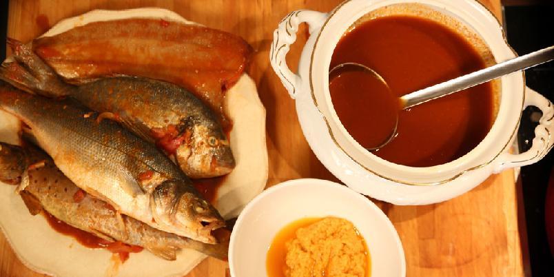 Bouillabaisse - fransk fiskesuppe - Her er den store, franske fiskesuppa gjort enkel.