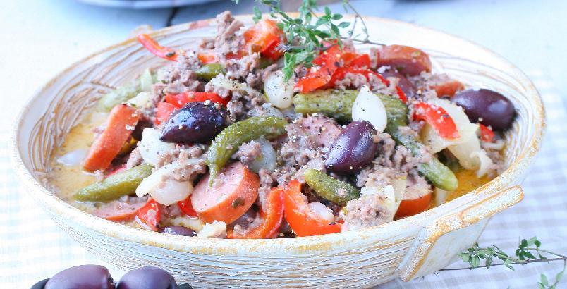 Kreolsk kjøttdeiggryte - Den kraftige chorizopølsen gir ekstra smak til kjøttdeigen. Server ris eller byggryn til.