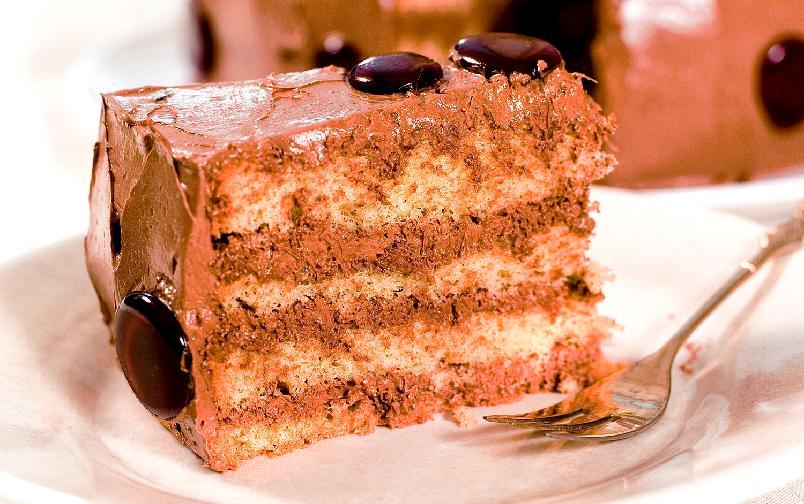Sukkerbrød med sjokoladekrem - Her har jeg byttet ut den tradisjonelle piskede kremfløten med en sjokoladesmørkrem.