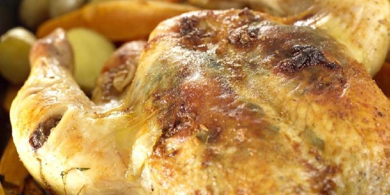 Helstekt kylling med søtpotet og vanlige poteter -