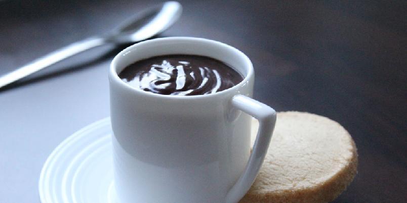 Sjokolade i kopper - Enkel, deilig sjokolade i kopper.