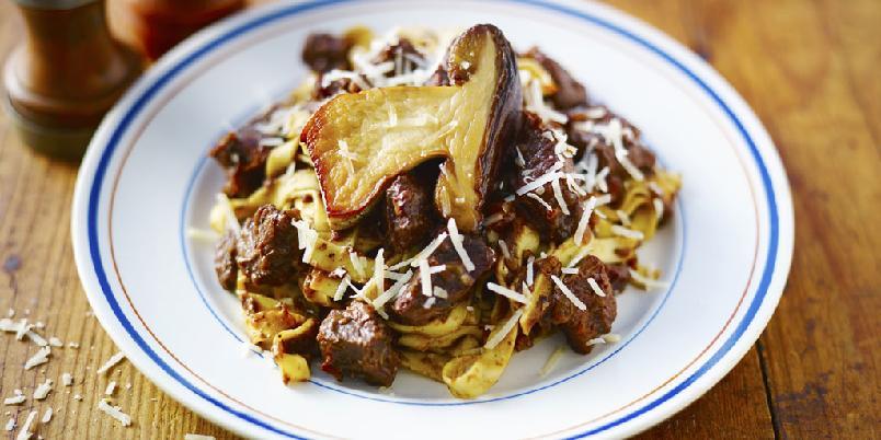 Hjemmelaget pasta - Oppskrift på hjemmelaget pasta.