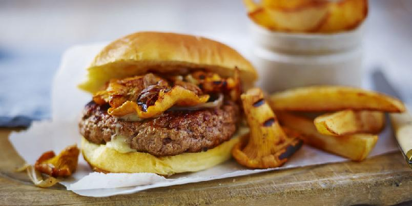 Den ultimate burgeren - Når en superkokk lager hamburger gjør han det på denne måten. Sjekk oppskriften.