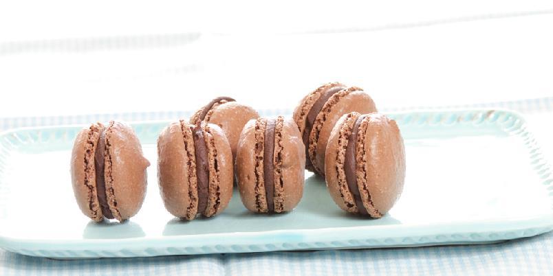 Sjokolademakroner med sjokoladefyll - En drøm av et bakverk!