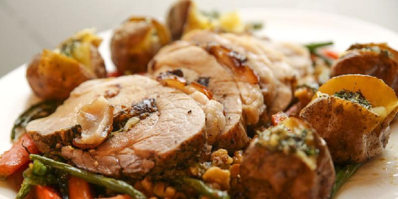 Svinestek med svisker - Svinestek er en suveren måte å nyte godt svinestek på. I denne oppskriften får du svinestek med svisker, salvie