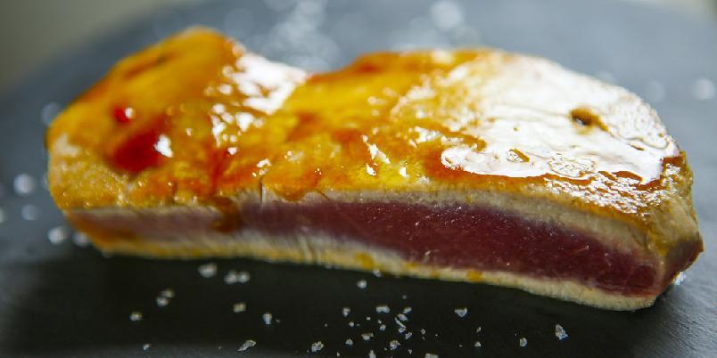 Teriyaki - Teriyakisaus er en saus du pensler på kjøtt, fisk eller fugl.