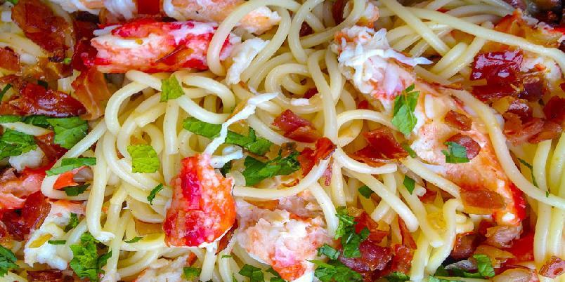 Spagetti med hummer, skinke og mynte -