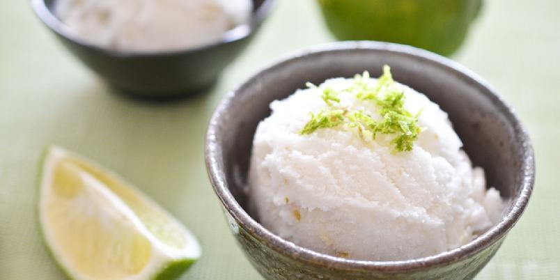 Kokos og lime sorbet - Passer perfekt til dessert en varm sommerdag.