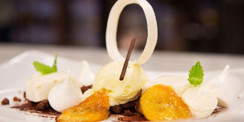 Mousse med karamelliserte bananer - En dessert fra TV-programmet Dessertmesterne.