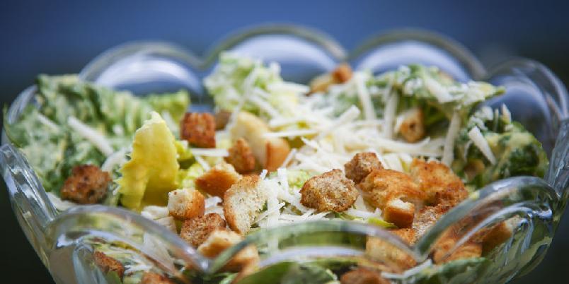 Anes cæsarsalat - Her er en cæsarsalat som er temmelig nærme originalen.