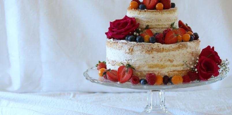 Nakenkake - Enkel etasjekake med frukt og bær