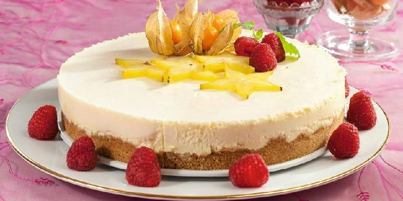 Glutenfri ostekake - Ostekake hører med når det er kakefest. Denne er litt annerledes, og har hvit sjokolade i fyllet.