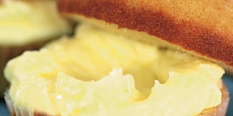 Lavkarbomuffins - Denne oppskriften kan fungere både som et lite mellommåltid og en kake. Det kommer an på hva du velger å fylle dem med.