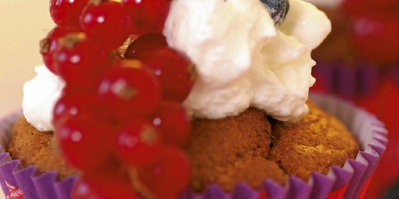 Lavkarbo skogbærmuffins - Disse blir litt syrlige, en liten klatt med krem eller vaniljekesam smaker godt til.