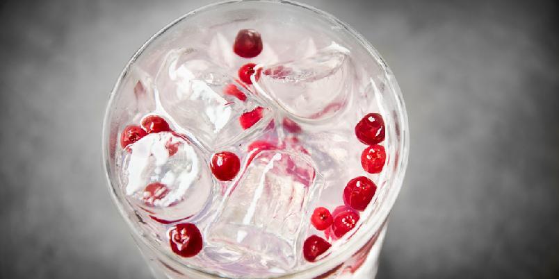 Gin & Tonic - Ragnhild - Denne varianten av Gin & Tonic fra Territoriet inneholder tyttebær og gransirup.