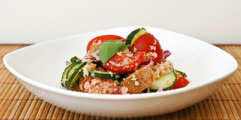 Panzanella - Panzanella er den store salaten fra Toscana. Enkelt, godt og veldig billig.